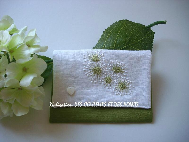 pochette vert blanc FACE