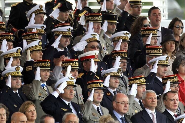499818-high-ranking-officers-of-french-army-salute-during-the-traditional-bastille-day-military-parade-in-p