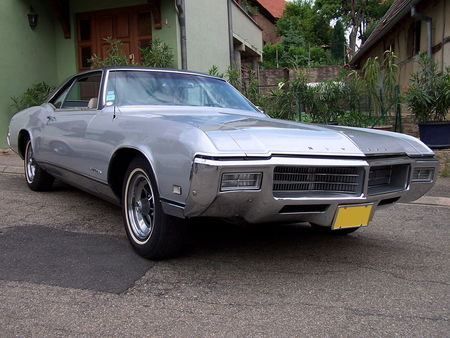 BUICK_Riviera_Hardtop_Coupe___1969__1_