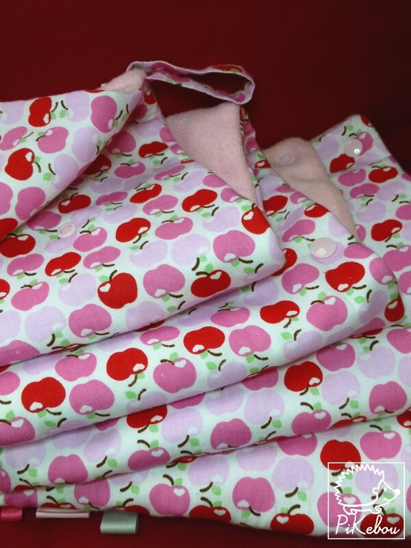 couverture multi-usages pommes roses PIKEBOU 7