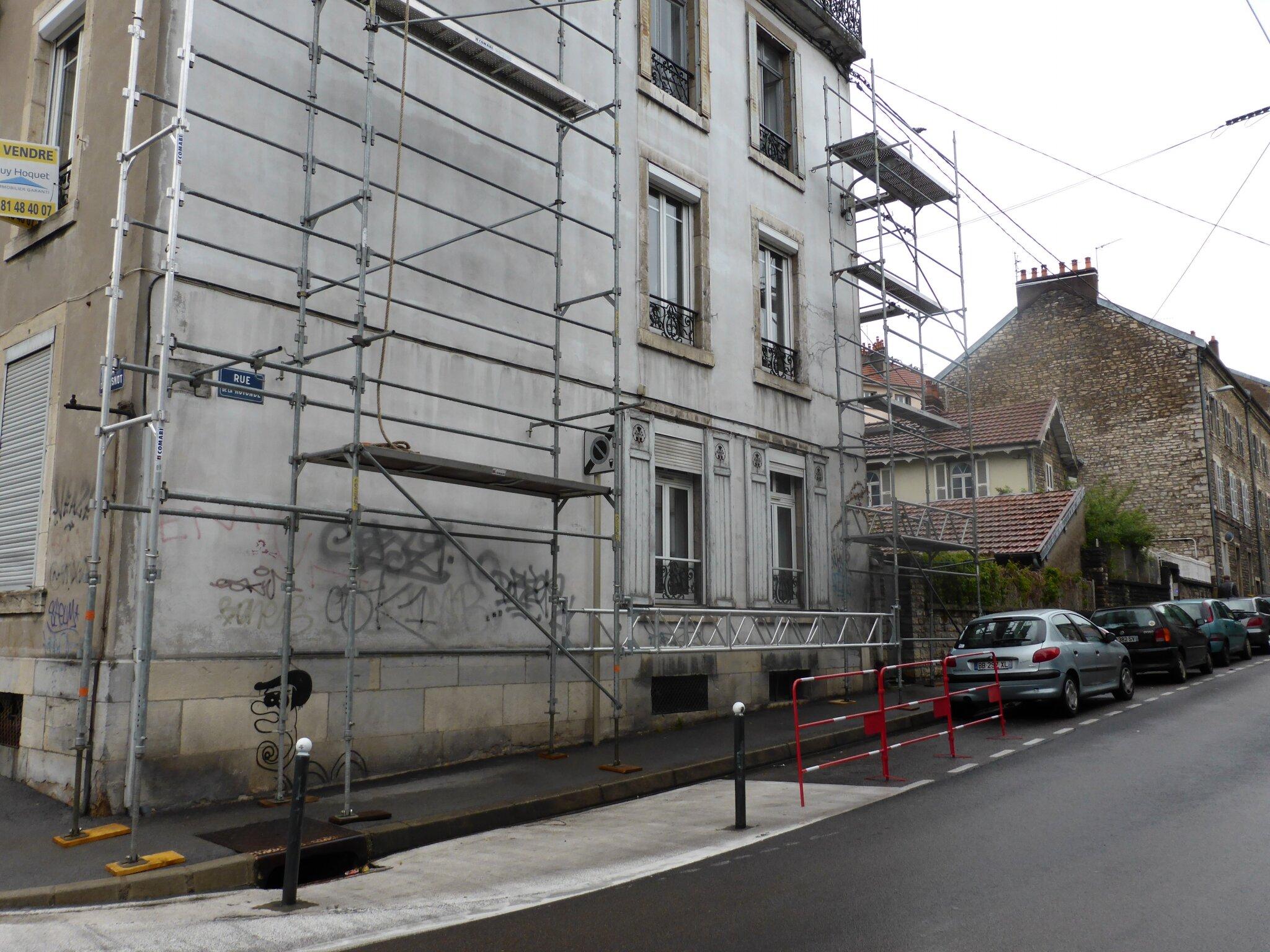 Le trottoir dans le caniveau humeurs des chaprais for Avis sur la maison des travaux
