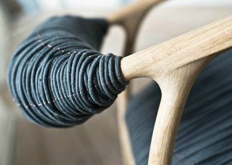 dezeen_Haptic-Chair-by-Trine-Kjaer-Design-Studio_3[1]