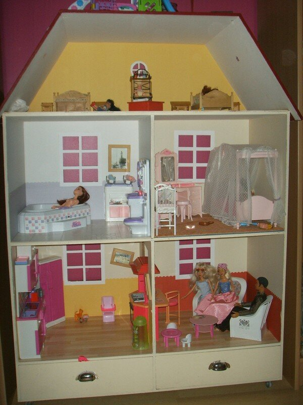 maison barbie photo de d co bricolo les pieds dans l 39 o. Black Bedroom Furniture Sets. Home Design Ideas