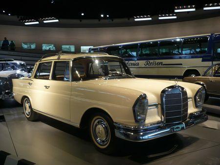 MERCEDES BENZ 220S W111 Automatic 1964 Stuttgart (1)