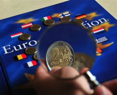 l-euro-est-il-condamne-a-devenir-une-piece-de-collection-photo-afp