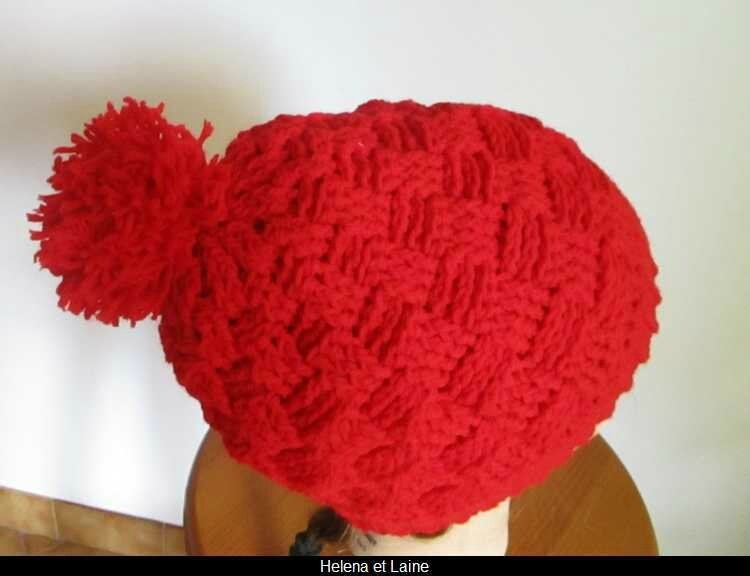 Bonnet rouge point panier et pompon