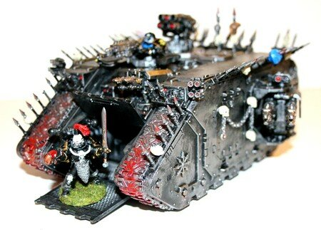 Land_Raider_du_Chaos_02
