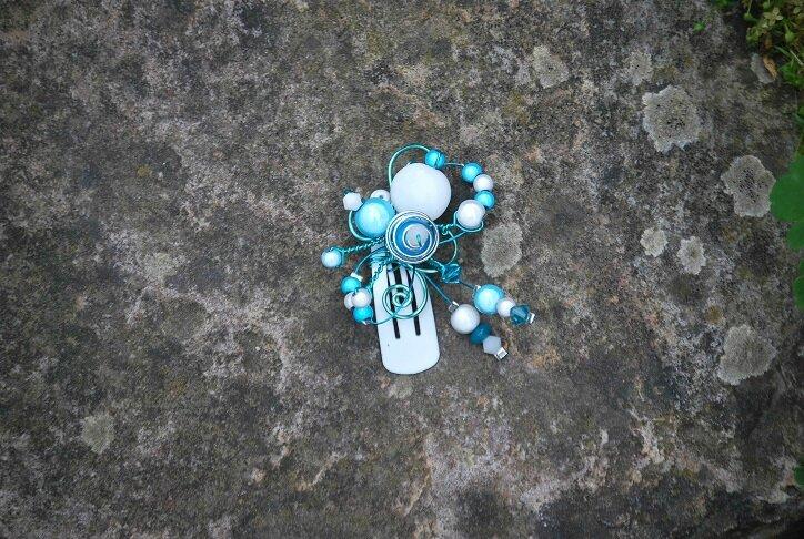 bijou de cheveux bleu proposition pour petite fille Lynda