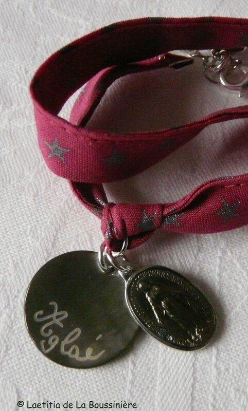 Bracelet médaille en nacre gravée et médaille miraculeuse émaillée