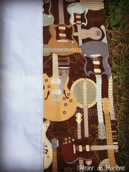 coussin guitare 2