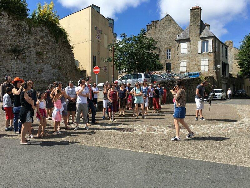 l'Avranches Vérité visite insolite burlesque Manesca de Ternay et Pascal Roignau association Mon Oncle et ma nièce rue de Geole rue de Lille juillet 2016