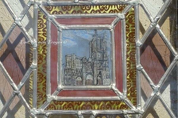 Cathédrale Troyes vitrail civil