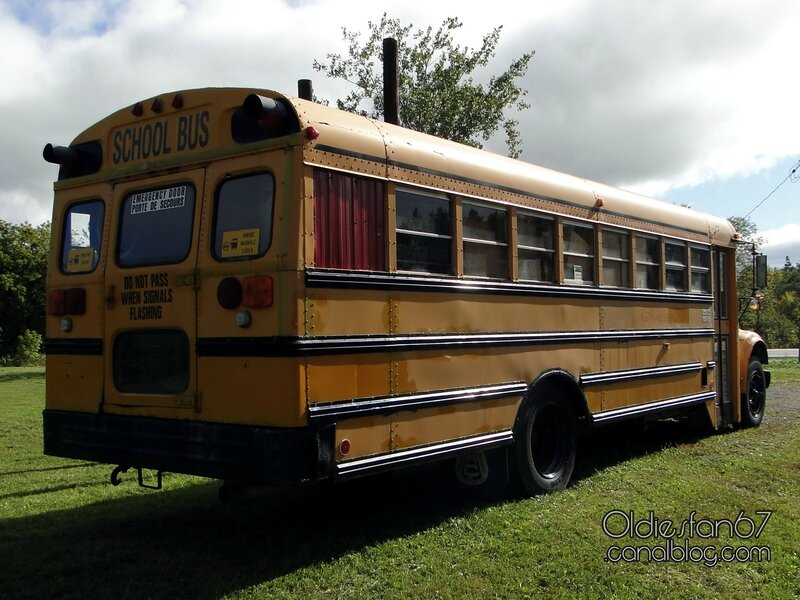 international-3700-school-bus-1989-2002-02