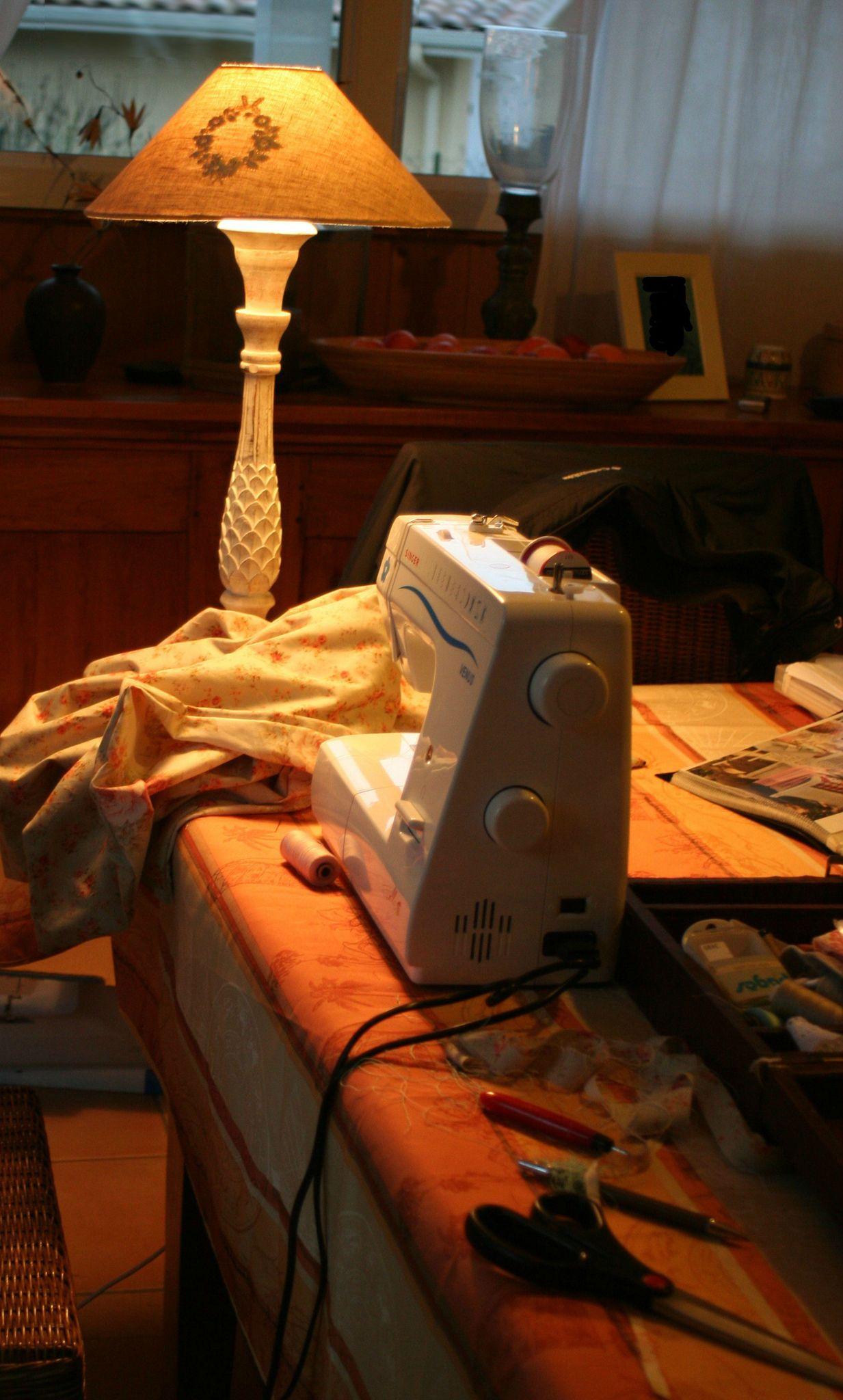 idees pour creer son atelier creatif coco de laplume. Black Bedroom Furniture Sets. Home Design Ideas
