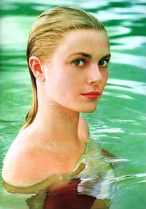 grace_kelly_howell_conant_pool
