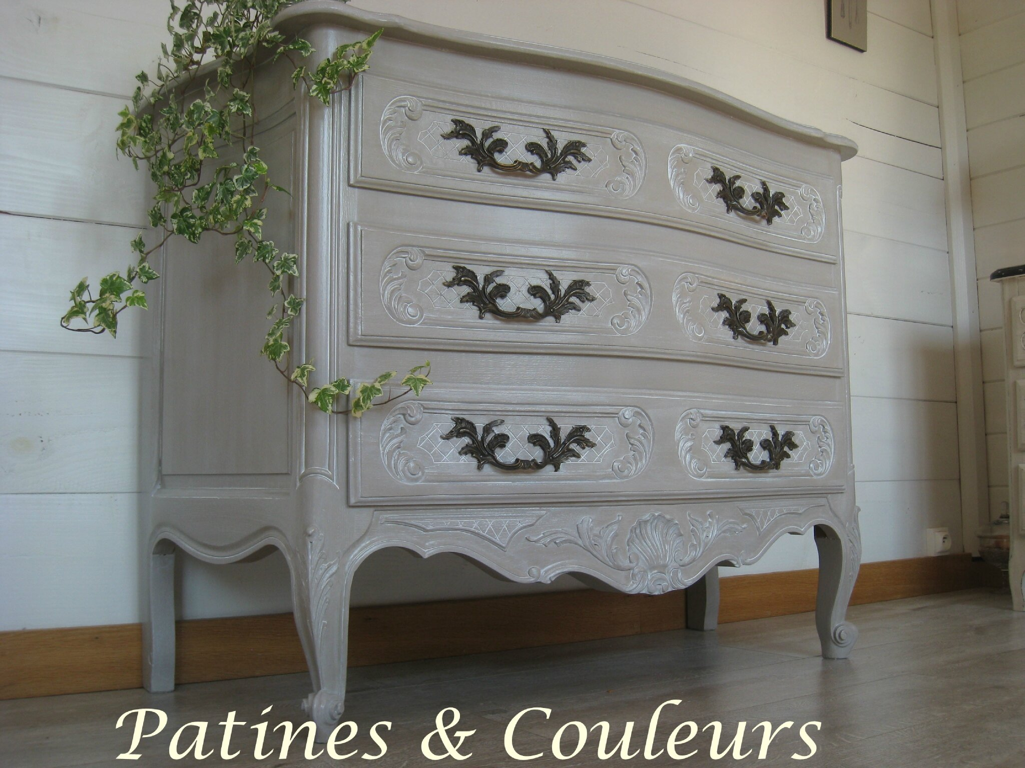 Commode r gence patin e taupe patines couleurs - Commode couleur taupe ...