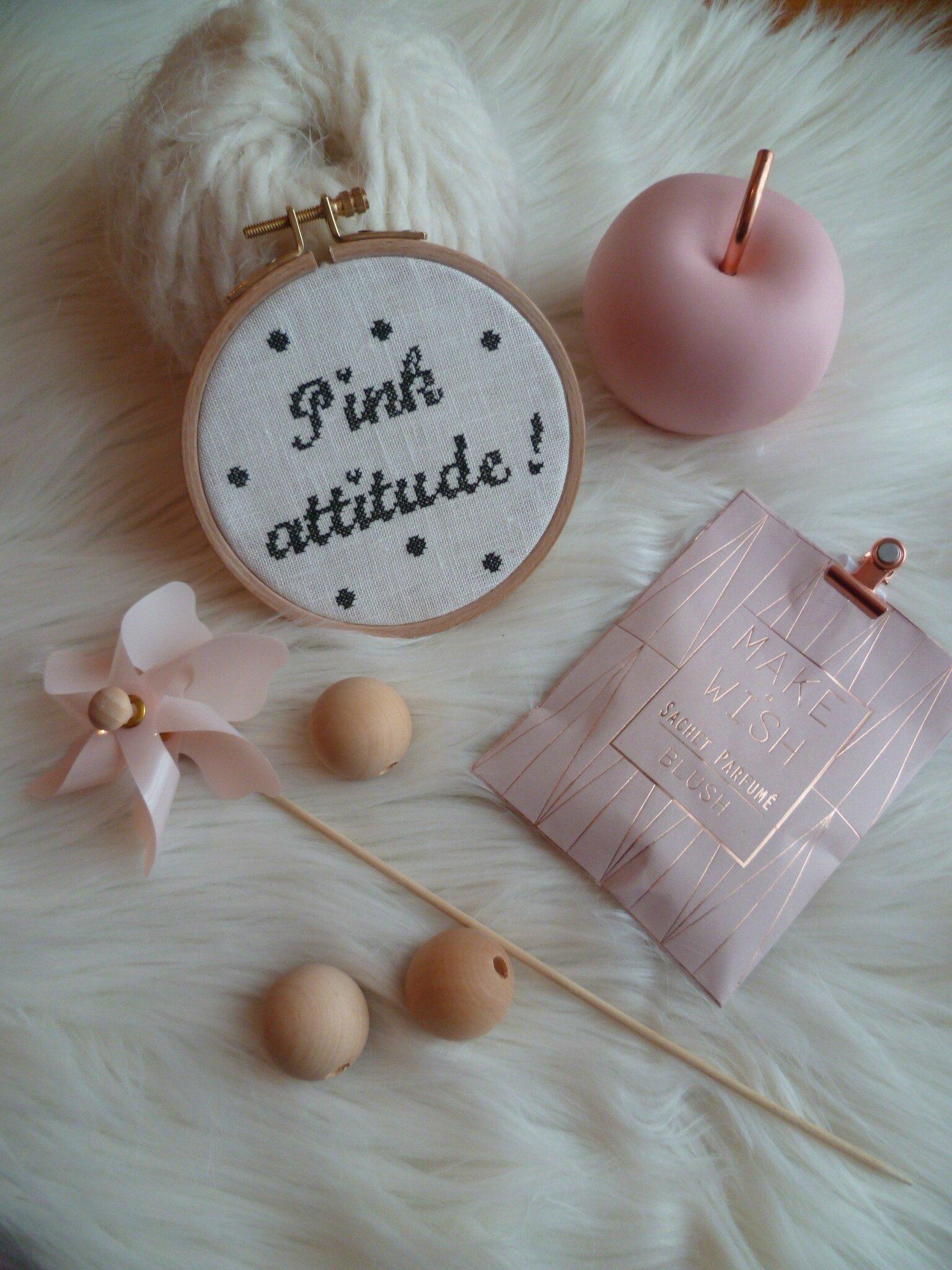 Pink Attitude PDF Pattern 4 euros / 6 dollars