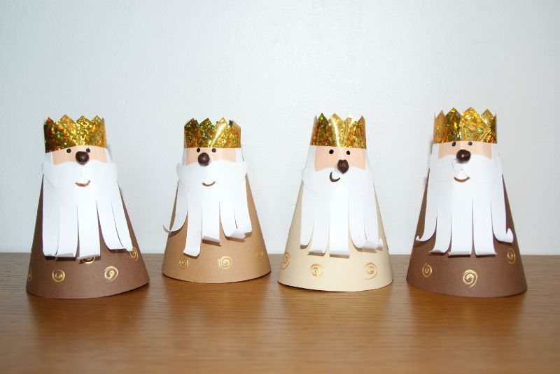 Couronne on pinterest paper roll crafts three wise men for Gallet de decoration