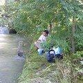 Pique-nique au bord de la riviere