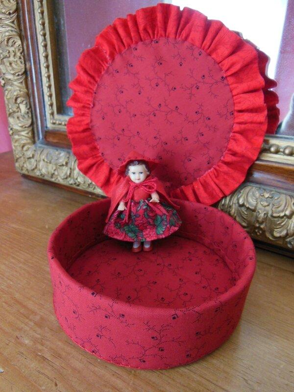 Boîte petit chaperon rouge (3)