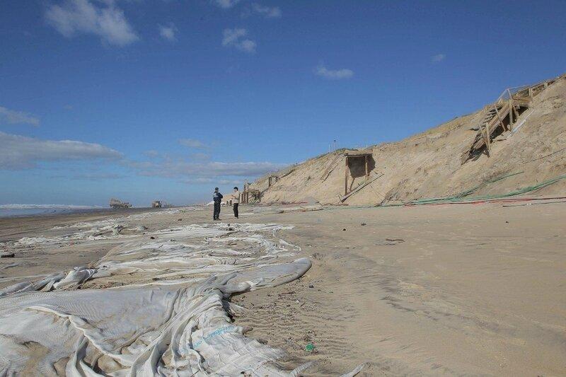 Photo-a-biscarrosse-l-acces-a-la-plage-centrale-est-interdite_1663810_1200x800