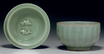 two_longquan_celadon_vessels_southern_song_dynasty_d5348011h