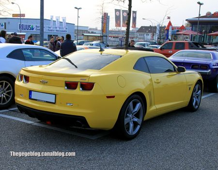 Chevrolet camaro SS de 2011 (Rencard Burger King avril 2012) 02