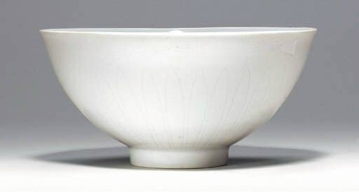 A Fine Early Ming White-Glazed Bowl with Incised and Anhua Decoration, Lianci, Yongle period (1403-1425)