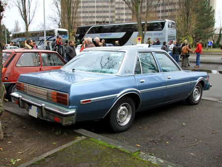 Dodge aspen special edition 4door sedan de 1978 (Retrorencard janvier 2012) 02