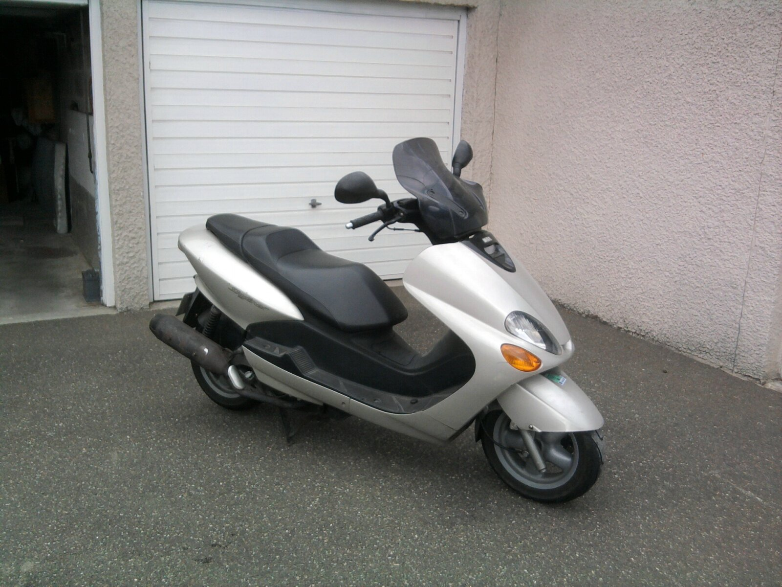 a vendre scooter mbk skyliner 125 cm3 r parmoto. Black Bedroom Furniture Sets. Home Design Ideas