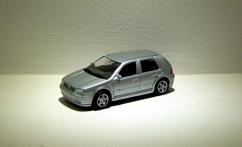 Vw golf IV GTI (ref 2046)(Welly)