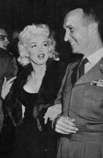 1955-04-26-ny-waldorf_astoria-Newspaper_Public_Convention-with_captain-1