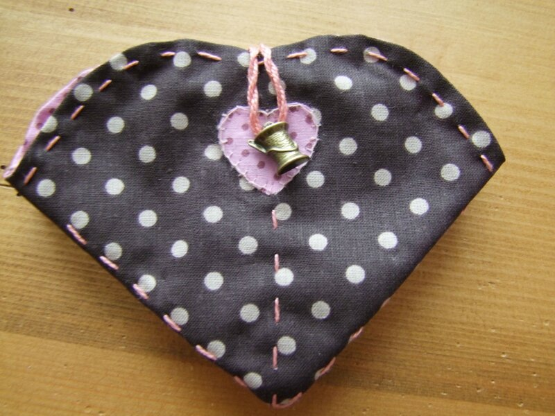 2014_0508trousse_couture0002