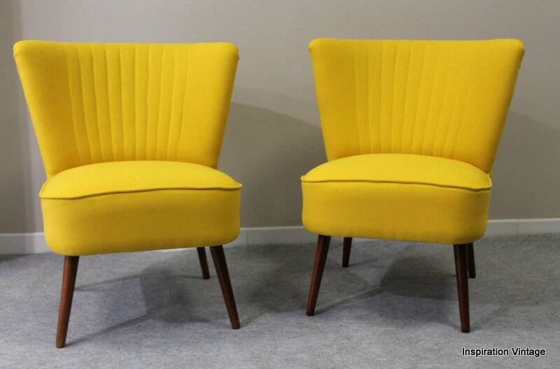 paire de fauteuils cocktail jaune inspiration vintage. Black Bedroom Furniture Sets. Home Design Ideas