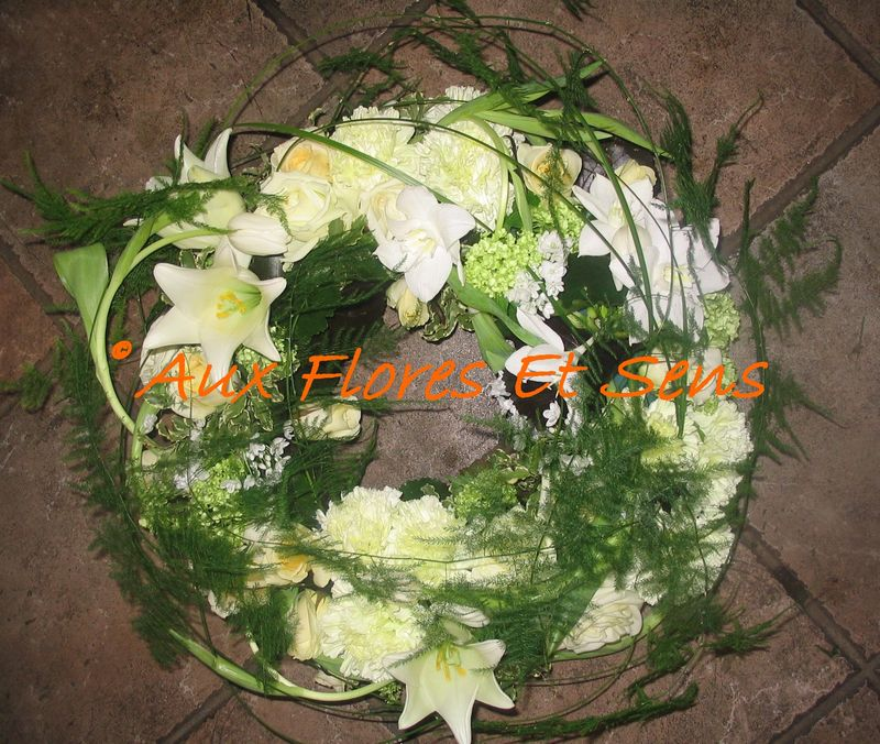 Couronne plate blanche