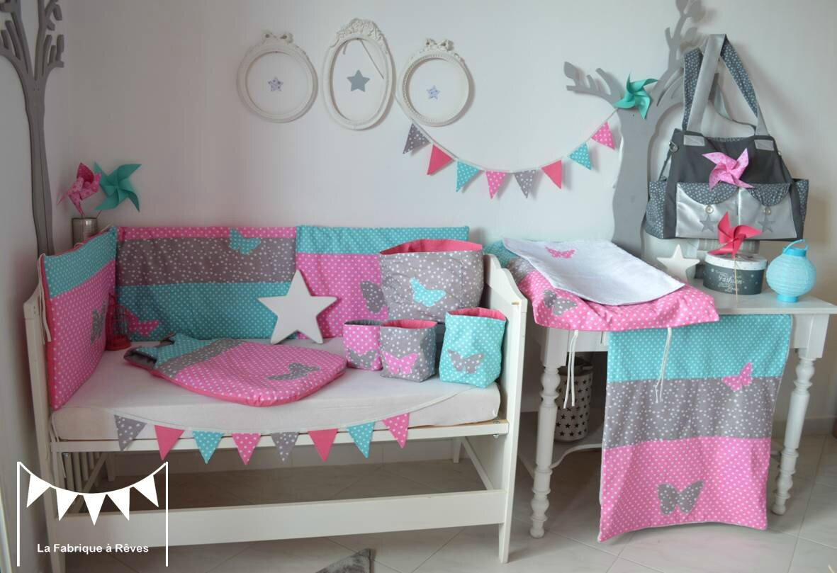 D coration chambre b b fille rose turquoise gris toiles for Photo decoration chambre bebe fille