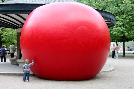 2_Redballproject_Luxembourg__enfance__9182