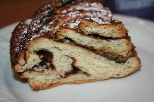 KRINGLE NUTELLA ET POUDRE DE NOISETTE2352
