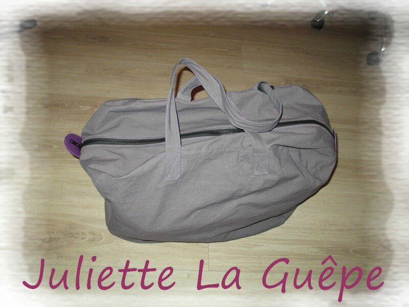 sac week end gris violet 2