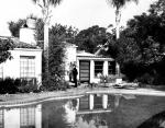 1962-08-05-brentwood-outside-garden-6