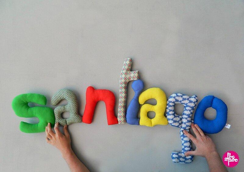 santiago,mot en tissu,mot decoratif,cadeau de naissance,decoration chambre d'enfant,cadeau personnalise,cadeau original,poc a poc blog