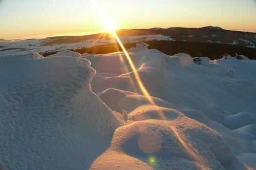 2008 12 24 Le soleil qui se couche vu du sommet du Pic du Lizieux