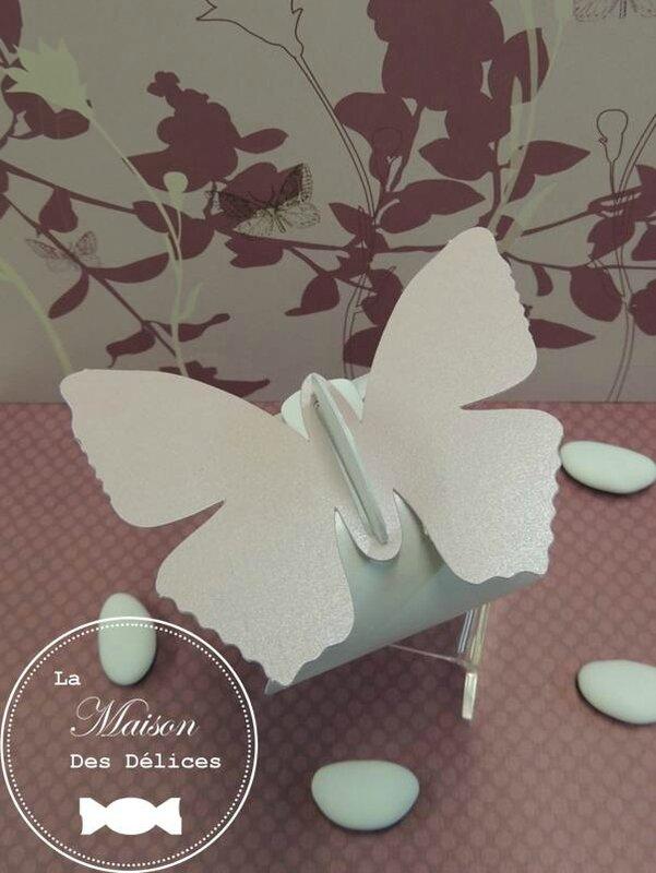 ballotin dragees mariage bapteme berlingot blanc nacre etiquette papillon sujet rose poudre nacre irise amande avola chocolat coeur