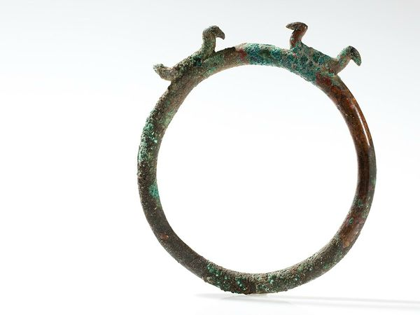 ring-shaped-bronze-ornament-with-birds-la-tene-culture-350-bc-1373546103241472