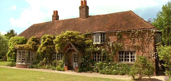 Cottage-from-Howards-End-filming-location-9