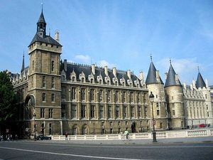173677conciergerie