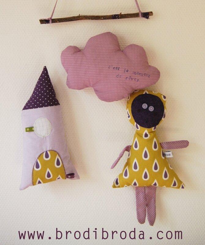 Brodi Broda-mobile chambre enfant-cadeau naissance personnalisé-maison violette3
