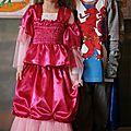 Les costumes de princesse et chevalier + réserves pour les vacances