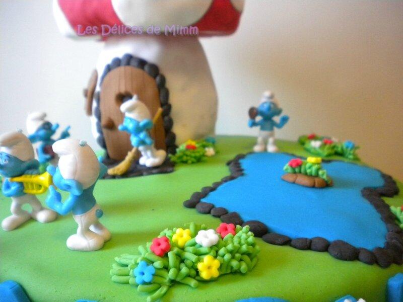 Gâteau au pays des Schtroumpfs (pâte à sucre) 7