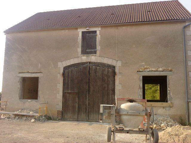 Encore des gravats la r novation d 39 une grange en - Renovation d une grange en maison d habitation ...